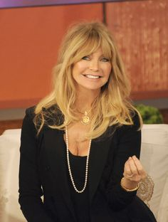 goldie hawn hairstyle | GOLDIE-HAWN-facebook.jpg