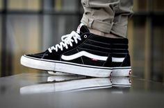 Vans Skate Shoes – Durable, stylish and cushioned – Lyla Stores Vans Sk8 Hi Outfit, Vans Outfit Men, Vans Sk8 Hi Pro, Vans Hi, Vans Sk8 Hi Black, Vans Skate Shoes, Mens Vans Shoes, Skate High Vans, Sneaker Outfits