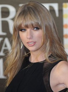 taylor swift BANGS   Taylor Swift Bangs Hairstyle.....wish mine looked like that!
