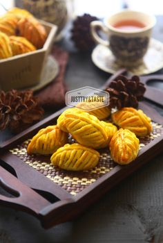 Pineapple Cookies, Pineapple Tart, Food Tasting, Indonesian Food, Some Recipe, Chocolate Cookies, Cake Cookies, Cookie Recipes, Food Photography
