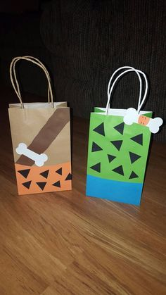 10 Bam Bam and Pebbles Party Favor Bags Bam Bam and Pebbles party favor bags are a fun, creative way to tell your guest thank you for coming to your party. Each listing is for 10 party favor bags and will be divided evenly unless specify under Twin First Birthday, First Birthday Parties, Boy Birthday, Pebbles Y Bam Bam, Kombucha Tee, Pebbles Flintstone, Twins 1st Birthdays, Party Favor Bags, Goody Bags
