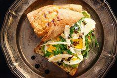 10 Receitas de lanches light, com fontes de proteínas, carne, frango, salmão, peito de peru, atum, ovos, queijo, e fibras presentes nos legumes e vegetais!