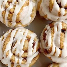 Cinnamon Roll Muffins require no yeast, only one bowl and they're ready in about 30 minutes! All the flavor, gooey cinnamon & sugar, and sweetness that you love about a cinnamon roll, but in an easy to make cinnamon roll muffin recipe. No Yeast Cinnamon Rolls, Cinnamon Banana Bread, Cinnamon Roll Muffins, Muffin Recipes, Cake Recipes, Dessert Recipes, Cookie Desserts, Bread Recipes, Sweet Recipes