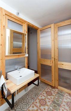 Rehabilitación en Barcelona por EMBT Miralles-Tagliabue #baldosahidraulica #madera #wood
