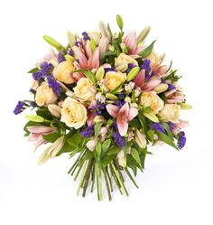 Send Same Day Flowers To Europe - Delivered by Maria Fiorista Buy Flowers, Fresh Flowers, Flower Subscription, Sympathy Flowers, Spray Roses, Seasonal Flowers, Funeral Flowers, Local Florist, Tall Vases