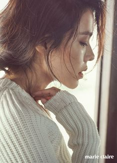 Son Ye-jin showed off her lovely spring styles. On March her agency MS Team Entertainment revealed Son Ye-jin's behind-the-scenes still images from her spring fashion pictorial. Korean Beauty, Asian Beauty, Asian Cute, Korean Artist, Korean Celebrities, Song Hye Kyo, Korean Actresses, Beautiful Actresses, Pretty Face