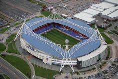 Reebok Stadium (Bolton, England) By Populous Baseball Park, Soccer Stadium, Football Stadiums, Football Soccer, Countries Around The World, Around The Worlds, English Football League, British Football, European Football
