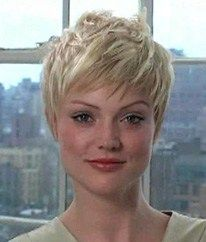 "How to style the Pixie cut? Despite what we think of short cuts , it is possible to play with his hair and to style his Pixie cut as he pleases. For a hairstyle with a ""so chic"" and pointed… Continue Reading → Haircut For Older Women, Haircut For Thick Hair, Cute Hairstyles For Short Hair, Short Hair Cuts For Women, Pixie Hairstyles, Straight Hairstyles, Short Hair Styles, Pixie Haircut Little Girl, Messy Pixie Haircut"