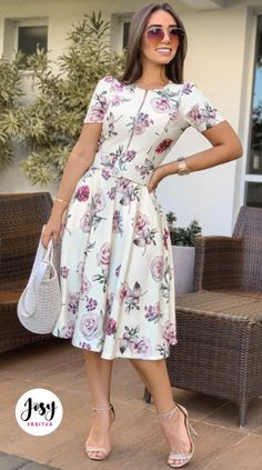 Royal Clothing, Church Outfits, Everyday Dresses, Flower Dresses, Feminine Style, Frocks, Beautiful Dresses, Fashion Dresses, Short Sleeve Dresses