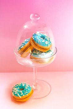 Donut macarons.