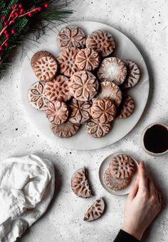 Stamp Cookies Recipe, Ginger Bread Cookies Recipe, Ginger Cookies, Cardamom Cookies Recipe, Cardamon Recipes, Cookie Stamp, Orange Cookies, Fancy Cookies, Cookies Soft