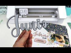 (2352) Crear un texto con profundidad, a capas, con tu Silhouette - YouTube Silhouette Curio, Cricut, Company Logo, Crafty, Videos, Texts, Silhouette Cameo Tutorials, Create, How To Make