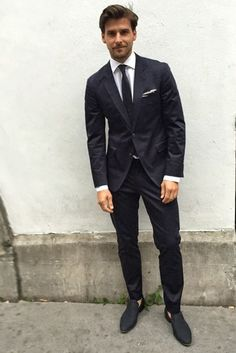 A daily diary update on the outfits male model Johannes Huebl is wearing for London Collections Men SS '16/.
