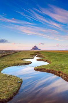 "Mont Saint-Michel - For my all works :   <a href=""https://www.facebook.com/FlorentCriquetPhotographie"">facebook.com/FlorentCriquetPhotographie</a>"