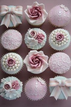 You get to take these beautiful vintage cupcakes home!