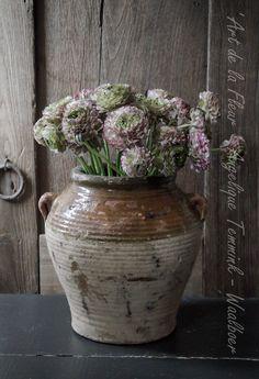 """"""" Art de la Fleur """" www.artdelafleur7.nl Angelique Temmink Waalboer. Ranonkels  , Floral , Flowers.. Sobere & Landelijke Bloemschik - Workshops , Goedereede. Holland."""