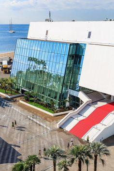 Palais des Festivals de Cannes (06) Architecte : Archidev (94)  Entreprise : Difral (06)  Photo : Hervé Fabre  Solutions WICONA utilisées : Façades WICTEC 50 grille (à joint creux) Droits Réservés WICONA