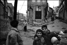 Riboud, boys playing in the street, Istanbul. Marc Riboud, Social Photography, Old Photography, French Photographers, Street Photographers, Istanbul, Jeanloup Sieff, Moving To Paris, Boys Playing