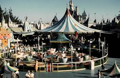 Retro Disneyland tea cup ride!   The old fantasyland.  Then they did the fanasy land refurb.  They took the teacups and moved them over near the Alice and Wonderland ride.  Moved the carousel up in its place.   Moved Dumbo, took out the Captain Hook Pirate Ship...    I didn't like it.