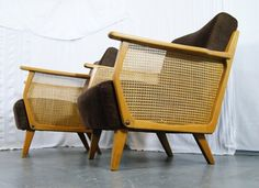 2 Vintage Sessel. Breitcord. Wiener Geflecht. 50er Jahre. VERKAUFT nach München.