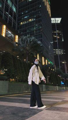 Modest Fashion Hijab, Modern Hijab Fashion, Street Hijab Fashion, Casual Hijab Outfit, Hijab Fashion Inspiration, Ootd Hijab, Korean Street Fashion, Korean Girl Fashion, Muslim Fashion