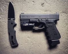 Glock 19 w/Surefire XC1 & Cold Steel American Lawman | Maple City Firearms