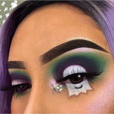 Boo how cute is this ghost eye makeup using our Summerita Palette by our Glitte… - halloween eye makeup Makeup Goals, Makeup Inspo, Makeup Inspiration, Makeup Ideas, Cute Halloween Makeup, Cute Makeup, Halloween Eyeshadow, Easy Makeup, Pink Makeup