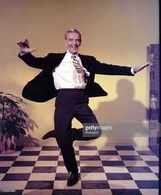 American Actor, Dancer and Singer Fred Astaire. Fred Astaire, Gene Kelly, Nebraska, Classic Hollywood, Old Hollywood, Fred And Ginger, Dance Photos, Dance Pictures, Perfect Movie