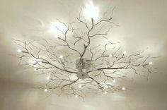 """Bijzonder sfeervolle plafondlamp! (95cm) Deze plafondlamp is uitgevoerd in chroom en is voorzien van 15 lichtpunten. Deze lichtpunten liggen tussen de """"takjes"""" in en geven een bijzonder sfeervol licht. Ook op het plafond ontstaat een prachtige """"tekening"""" door de lichtreflectie. Voor woonkamer , keuken , slaapkamer . Home interior lights / online shop : click on this link www.rietveldlicht.nl"""