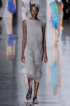 Issey Miyake Spring 2013 Ready-to-Wear Collection