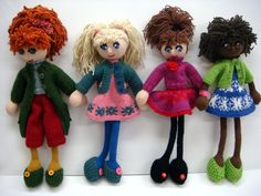 Will's Wools: Prachtig poppenkwartet! Beautifully knitted Doll line up!