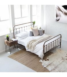 This contemporary metal bed is inspired by industrial pipe designs with dark brown and bronze finishes. Queen Bedroom, Queen Size Bedding, Bedroom Bed, Queen Beds, Bedroom Ideas, Metal Double Bed, Double Beds, Wooden Bed Base, Corner Headboard