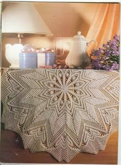 Chart Patterns Only: Table Cloths, runners and numerous doilies. Looks to be from old Magic Crochet Magazines. Non English Site. Crochet Circles, Crochet Doily Patterns, Crochet Chart, Thread Crochet, Knit Or Crochet, Filet Crochet, Crochet Stitches, Tapete Crochet, Mantel Redondo A Crochet