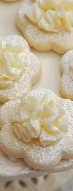 Pink Piccadilly Pastries: Frilly Lemon Meltaway Cookies - Beautiful and delicious Christmas and holiday dessert idea! Lemon Desserts, Lemon Recipes, Cookie Desserts, Sweet Recipes, Baking Recipes, Delicious Desserts, Dessert Recipes, Yummy Food, Cookie Table