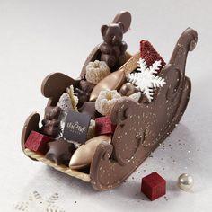 Traîneau de 36 gourmandises Christmas Log, Lenotre, French Food, Gingerbread Cookies, Deserts, Food Porn, Restaurant, Candy, Holiday