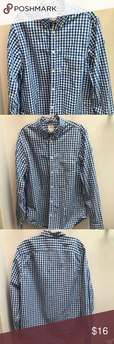 "Gap Lived in Button Down Shirt Look at last picture for a more accurate color my camera won't capture the blue exactly. Perfect condition  100% cotton length is 29""  across is 20"" laying flat GAP Shirts Casual Button Down Shirts"