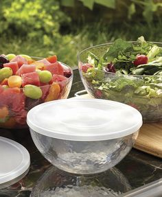 You can never have enough food storage containers! Our clear acrylic 6-piece lidded bowl set is just $5.88 at Walmart.