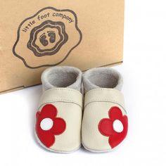 little foot company baby slofjes bloem beige  handgenaaide kruipschoenen van nappa leer www.emmaswereld.nl