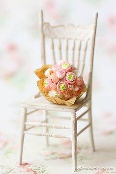 Dollhouse Miniatures, Miniature Food Jewelry, Craft Classes: Dollhouse Miniature Ranunculus Bouquet