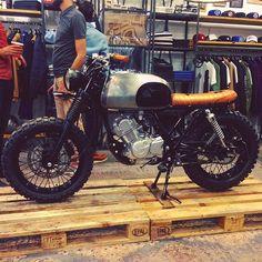 La petite dernière de chez @bfmotorcycles #motorcycle #motorbike #custom…
