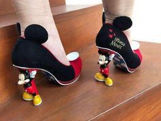 Disney Inspired Outfits, Disney Outfits, Disney Style, Arte Do Mickey Mouse, Disney Mickey Mouse, Minnie Mouse, Disney Diy, Cute Disney, Mickey Mouse Shoes