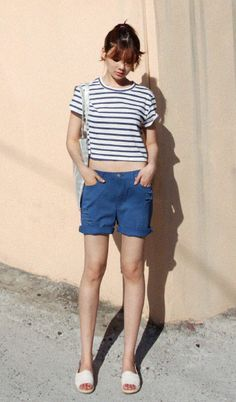 Korean Fashion: striped shirt + folded/rolled up shorts + slippers