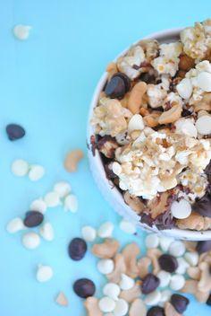 Caramel Caribou Popcorn (Moose Munch) | Something Swanky