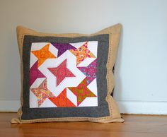 Not into the colours, but I like the blocks circling the center. New Friendship, Pillow Covers, Project Ideas, Envy, Pillow Case Dresses, Pillowcases, Pillow Shams, Jealousy, Cushion Covers