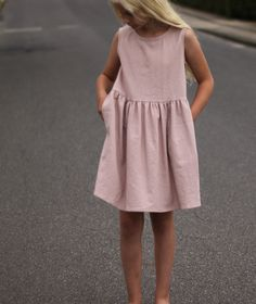 Groovybaby....and mama: Summer Staples - Simple Linen Dress