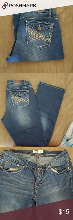 Size 9 Lei jeans Size 9 L.e.i. jeans, stretch, regular length lei Jeans