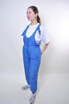 Blue vintage suspenders ski suit, women retro snow suit, Size M Unique Outfits, Vintage Outfits, Vintage Fashion, Vintage Tops, Vintage Ladies, Sports Sweatshirts, Vintage Clothing Stores, Snow Suit, Suspenders