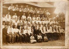 Хор в 1936 році Саджа́вка — село Надвірнянського району Івано-Франківської області