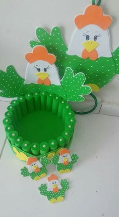 Christmas Projects Diy For Kids Crafts For Kids Arts And Crafts Foam Crafts Diy Crafts Origami Girly Cakes Craft Work Foam Crafts, Diy And Crafts, Arts And Crafts, Diy For Kids, Crafts For Kids, Diy Y Manualidades, Chicken Crafts, Diy Ostern, Ribbon Sculpture