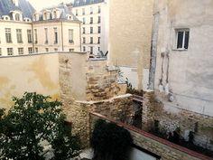 Paris 4e - 2014 : fin de restauration de la tour Philippe Auguste du Jardin des Rosiers Jospeh-Migneret .